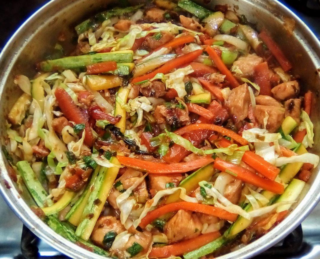 Rápida receita de Chop Suey de frango